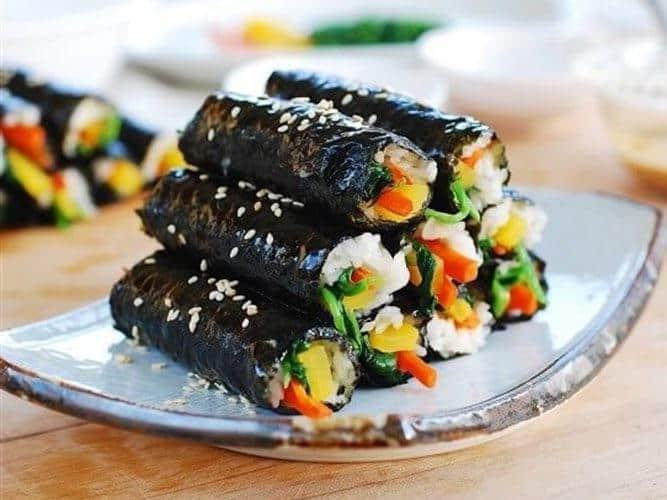 Rong biển làm cơm cuộn