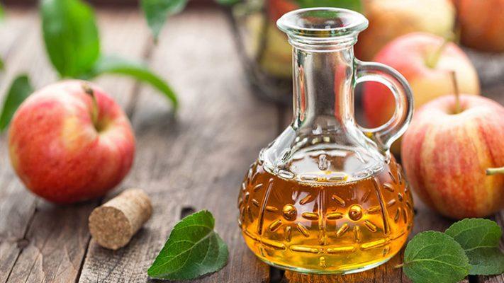 Giấm táo trị gàu